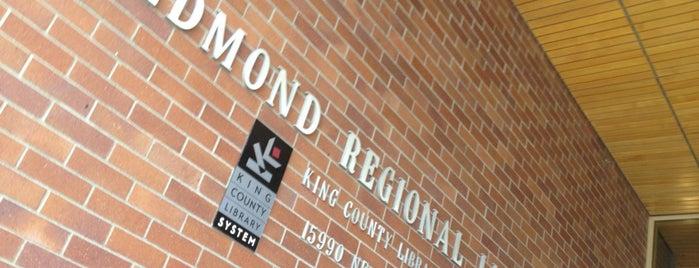 KCLS Redmond Library is one of Orte, die Omkar gefallen.