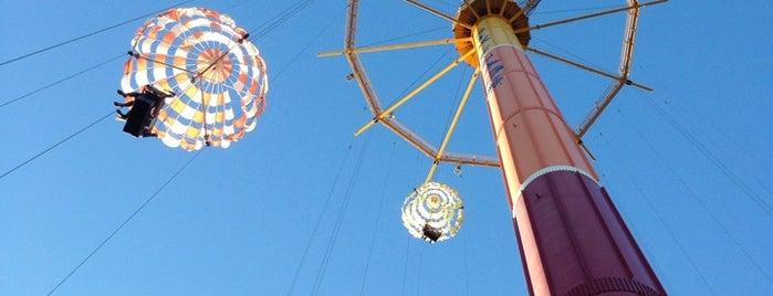 Parachute Training Center is one of Orte, die Mario gefallen.