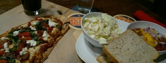 Square One Sidewalk Cafe is one of Posti che sono piaciuti a Traci.
