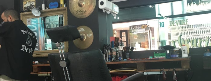 Devoke Barbearia is one of Carlos'un Kaydettiği Mekanlar.