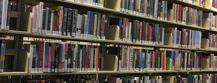 Summit Free Public Library is one of Brandon : понравившиеся места.
