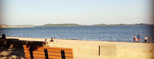 Carson Beach is one of Lugares favoritos de Christopher.