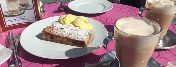 Café Konditorei Braun is one of Lugares favoritos de Cida F..