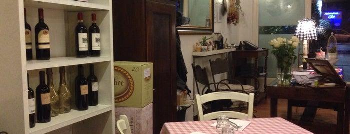 Caffetteria Portici is one of Bergamo 🇮🇹.