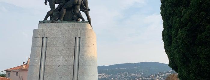 Monumento Caduti nella Guerra di Liberazione is one of Lieux qui ont plu à Tomek.