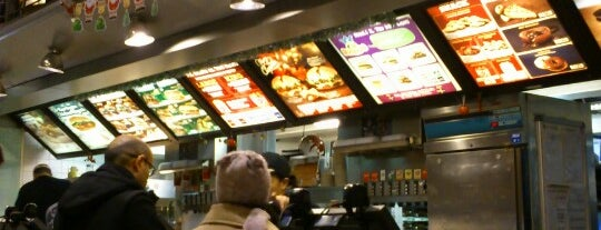 Burger King is one of Fast Food e Snack Bar.