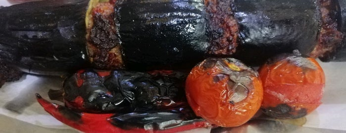 Öz Adana patlıcan Kebap is one of Lugares favoritos de Emine.