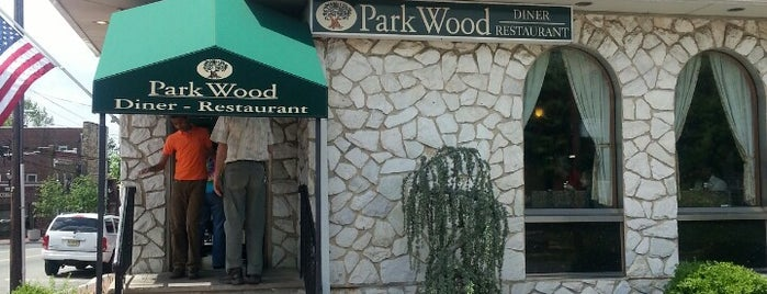 Parkwood Diner is one of Posti salvati di Lizzie.
