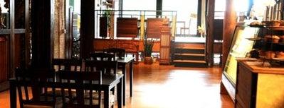 Verduras Tea House & Cafe is one of Milwaukee Organic and Local.