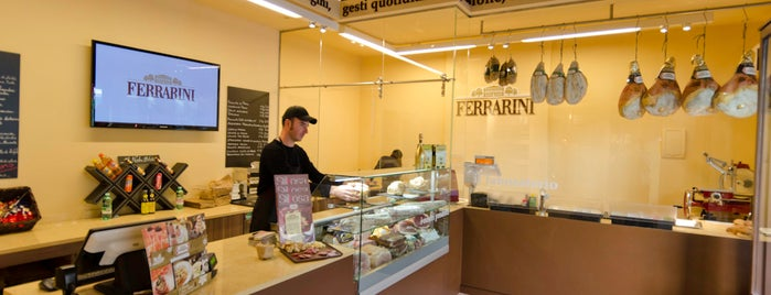 Ferrarini shop is one of Mi Roma querida.