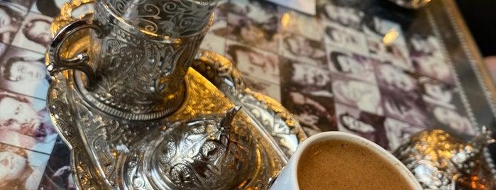 Yeşilçam Kumda Kahve is one of Tempat yang Disimpan Dilara.