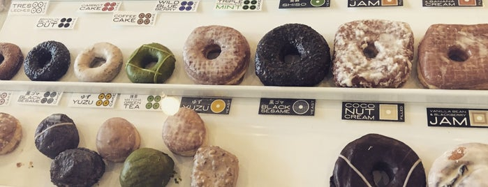 Doughnut Plant is one of Queens.