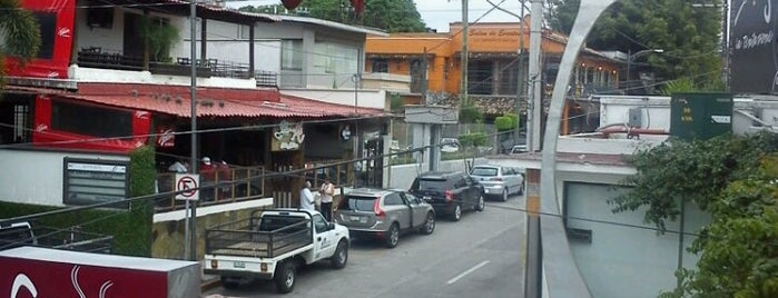 El Punto Café is one of Julye 님이 저장한 장소.