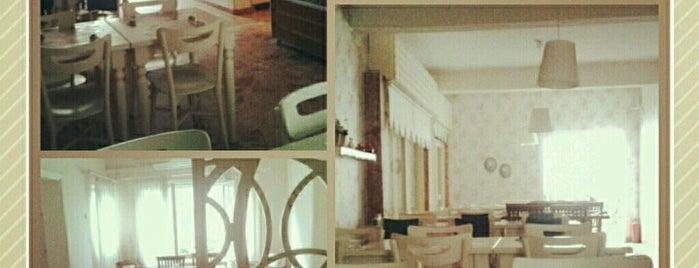Bizz Ev Yemekleri & Cafe is one of Tempat yang Disimpan Metin.