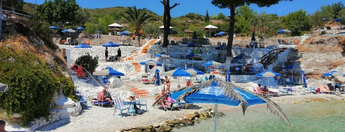 Pappa Beach Taverna (1993) is one of Beach&haven.