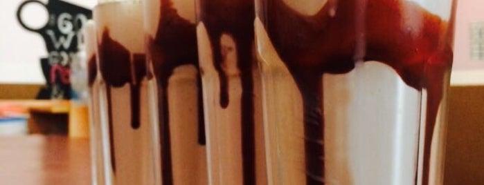 Crepe Au Chocolat is one of AngieBelarizさんの保存済みスポット.