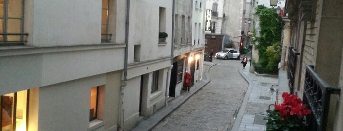 16 rue des Gravilliers is one of Sabrina : понравившиеся места.