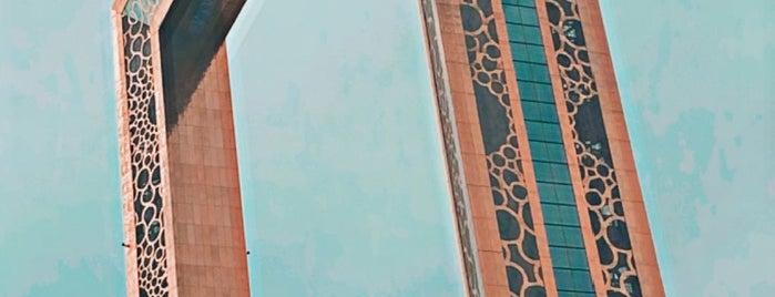 Dubai Frame is one of Orte, die Dade gefallen.