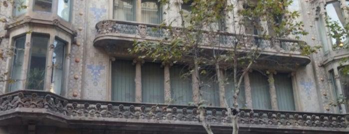 Cubiñà is one of Barcelona.
