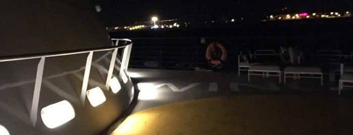 Mein Schiff 1 is one of Orte, die Vanessa gefallen.