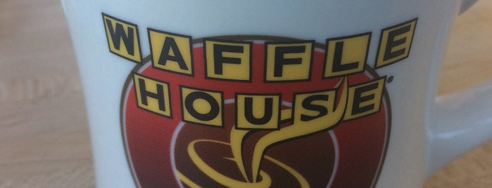 Waffle House is one of Lieux qui ont plu à Robin.
