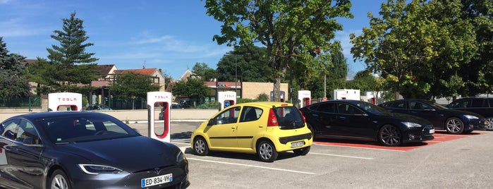 Tesla Supercharger Beaune is one of Superchargeurs Tesla en France.