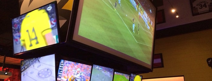 Buffalo Wild Wings is one of Marielさんの保存済みスポット.