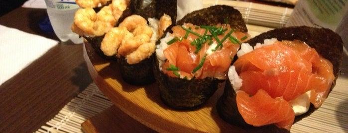 Shanghay Sushi Lounge is one of Lugares guardados de Roberta.