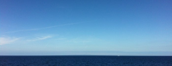 Middle Of Channel In The Pacific is one of Global Workallholics Unified.