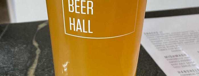 Bayberry Beer Hall is one of Locais curtidos por Matt.