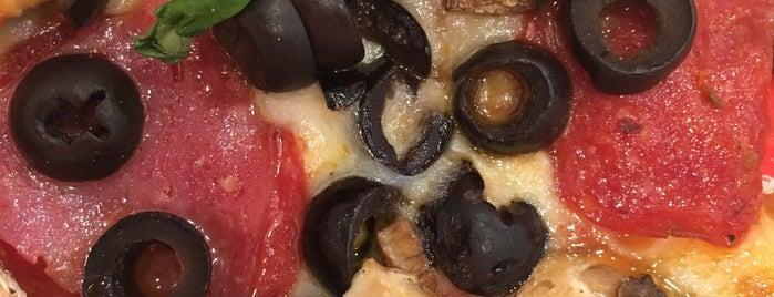 Kreate Pizza is one of Lara : понравившиеся места.
