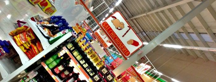 Mega Comercial Mexicana is one of สถานที่ที่ Vivian ถูกใจ.