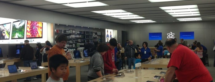 Apple Roseville is one of Apple Stores US West.