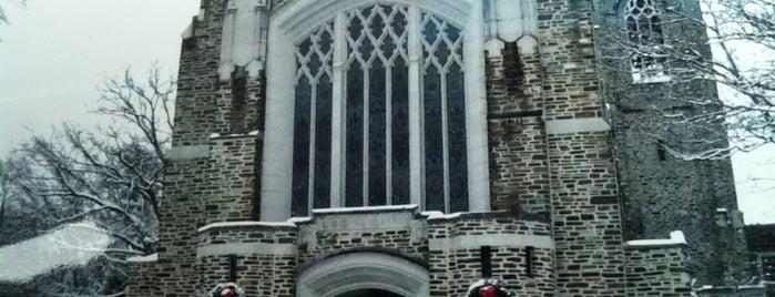 Myers Park United Methodist Church is one of Tempat yang Disukai Paul.