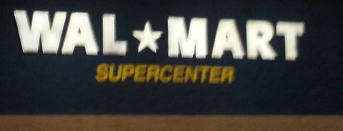 Walmart Supercenter is one of Dさんのお気に入りスポット.