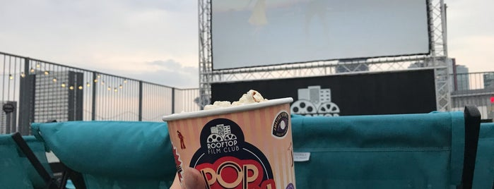 Rooftop Film Club Stratford is one of kazahel 님이 저장한 장소.