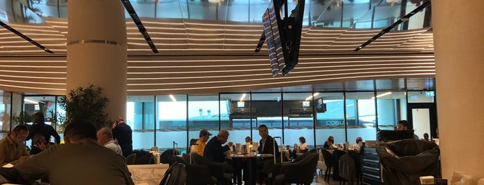 Turkish Airlines Lounge Domestic is one of Locais curtidos por Girit.