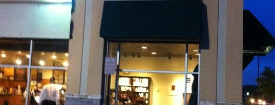 Starbucks is one of kazahel 님이 좋아한 장소.