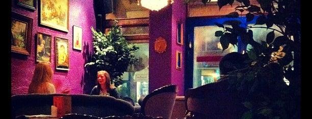 Café Europa is one of Locais curtidos por Tero.