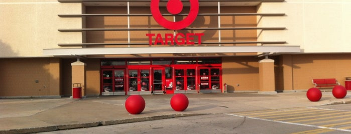Target is one of Locais curtidos por Keyanna.