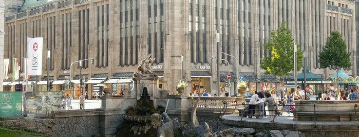Tritonenbrunnen is one of Düsseldorf🇩🇪.