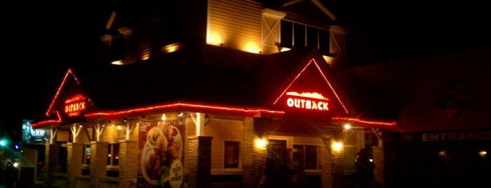 Outback Steakhouse is one of Lieux qui ont plu à Edmundo.