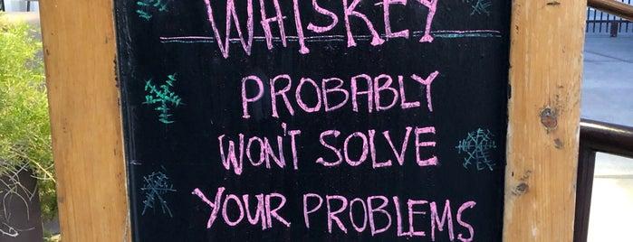 Oak & Ivy: An American Whiskey Den is one of Orte, die Louise gefallen.