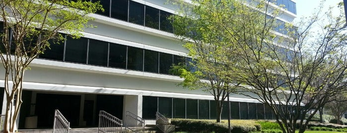 Corporate Square 3 Building is one of Locais curtidos por Chris.