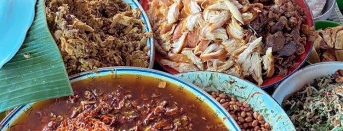 Nasi Bali Made Weti is one of Gespeicherte Orte von Irene.