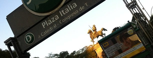 Estación Plaza Italia [Línea D] is one of Jimmy 님이 좋아한 장소.