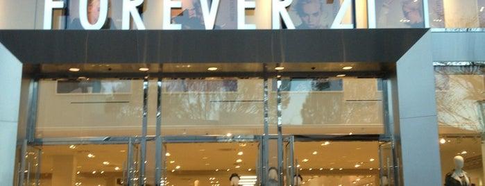 Forever 21 is one of Orte, die Jamie gefallen.