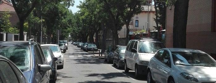 Colonia De La Prensa is one of 100 cosas que hacer en Madrid.