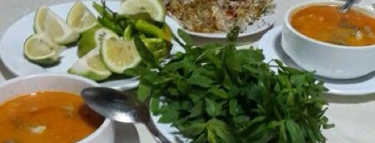 Yıldız Restaurant is one of Lieux qui ont plu à Çağla.