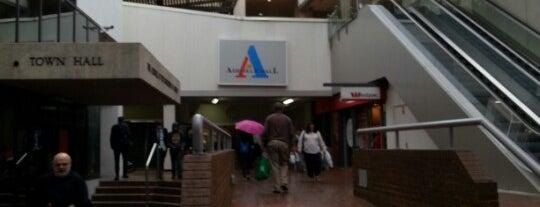 Ashfield Mall is one of Peter 님이 좋아한 장소.